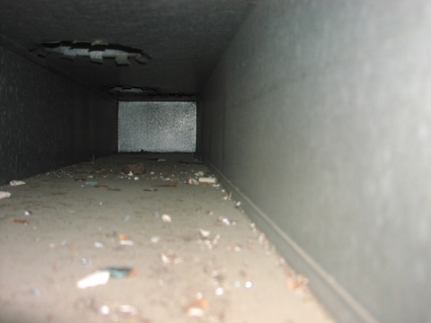 how to clear a blocked air duct
